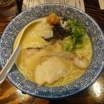 濃厚鶏白湯ラーメン 美空 - 濃厚鶏白湯ラーメン(白)