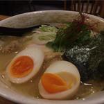 麺屋 武一 - 濃厚鶏白湯そば(味玉つき、全部のせ)
