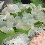 あきの庵 - 料理写真:丸ハゲの姿造り