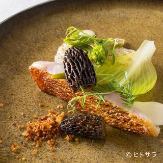 肉は仏、欧産を、野菜・魚介は季節の国産ものを使用