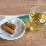 手打そば処 こがね - 料理写真:蕎麦菓子と蕎麦茶