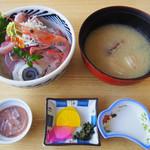 まると水産 - 料理写真:おまかせ丼