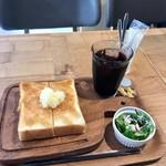 マーマー コーヒー 京都 - ハニーバタートースト、アイスコーヒー