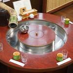 ニテコ名水庵 - 流しソーメン専用のテーブル