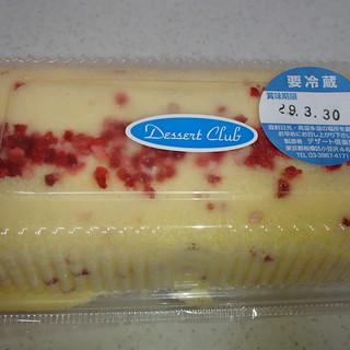 デザート倶楽部 - 料理写真:苺ロールケーキ