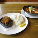 SPICE RIG 香楽 - マンスリーカレー(サラダ、ドリンク付き、1,580円)