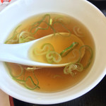 麻婆菜館 - 天津飯に付くスープ。       此れも絶品!です。
