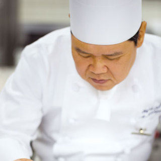 トゥールダルジャン日本人シェフを務めた総料理長西口章二