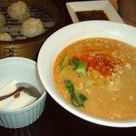 木蘭 - 小龍包セットの坦々麺