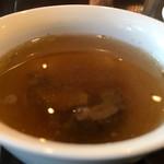 ステーキ&ハンバーグ専門店 肉の村山 - 牛骨のテールスープ