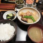 やまや - 『博多郷土料理 がめ煮定食』1,000円。