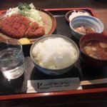 やじろべい - とんかつランチ(800円)