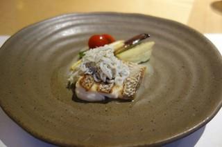 スナガ - メイン2    天然真鯛のソテー と釜揚げしらす