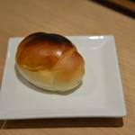ビストロ アトリ - バターロール