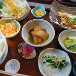ギャラリー賀 - 料理写真:日替わりランチ(コーヒー付き)850円