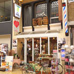67435839 - 姫路駅の北側、みゆき通り商店街の喫茶「はまもと」。絶品のアーモンドトーストがいただける
