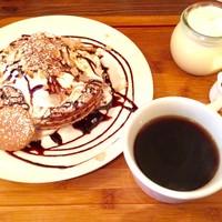 T's cafe-note - お得なパンケーキセット登場です。その日で変わるパンケーキとプリンにお好きなドリンクがセットで1000yen(ドリンクはフレーバーラテは+100yen