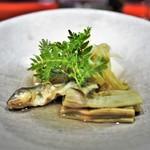 草喰 なかひがし - 子鮎や筍などの炊き合わせ