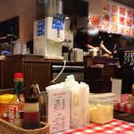 スパゲッティーのパンチョ - 卓上の粉チーズはかけ放題!?