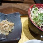 darumakiwami - サラダとじゃこおろし