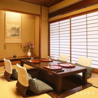 椅子やテーブル、座卓、お膳の席も