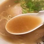 長浜ラーメン 風び - スープ