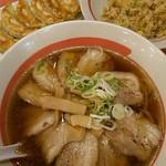 幸楽苑 - わりとアッサリ食べれる豚バラチャーシュー麺。
