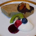 銀座カフェビストロ 森のテーブル - 栗とカモミールのバームクーヘン