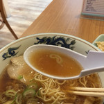 お食事の店 すず - スープはやや濃口も、懐かしい旭川ラーメン