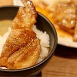 炙り牛たん 万 - 豚生姜焼きとご飯