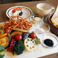 カフェバル ぐるり - ぐるり菜園プレート 1000円 グリル野菜 / 揚げパスタ / パン / スープ / スイーツ