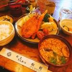 松村 - 季節の美味しい❗シーフードフライ定食¥1340 ご飯大盛¥100豚汁に変更¥100☀✴