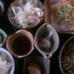 お食事処 だいこんや - 種・地鶏うどん定食(1,380円)