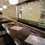 湘南の魚とワインの店 ヒラツカ - 港町の居酒屋感。