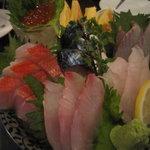 湘南の魚とワインの店 ヒラツカ - 3点刺身盛合せ オマケつき