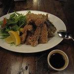 湘南の魚とワインの店 ヒラツカ - ごろごろ魚の竜田揚げWithもてソース