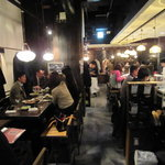湘南の魚とワインの店 ヒラツカ - 月曜日なのに満席。
