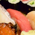 和泉鮨 - ランチにぎり@税込1,030円:鮪に寄ってみました。その2