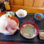 浜めし - 大トロ入り五色丼