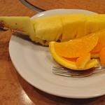 よつ谷 - デザート  パイナップル、オレンジ