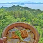 67481651 - 景色とともに楽しむ海鮮はうまいねぇー♪                       (生うに海鮮ひつまむし)