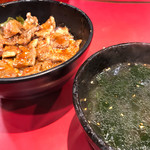 67482035 - カルビ丼+ワカメスープ