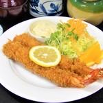 海老徳 - 当店自慢の看板MENU!日本一の「上海老フライ定食」です!是非一度ご賞味下さい。
