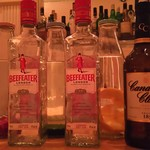 Bar Masters - 自家製インフュージョンスピリッツの漬込み中