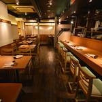 UMAMI日本酒弐番館 - テーブル席多数ご用意