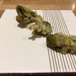 五十嵐 - 山葡萄の新芽のフリット