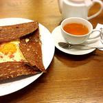 Grand Breton Cafe - コンプレットとホワイトフルーツティー
