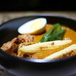 ハレギンザ - アースカレー  タンドリーチキンと本日の野菜トッピング