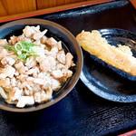 海侍 - 鶏ももコショウ冷とちくわ天
