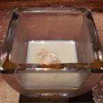67494679 - ホワイトコーンのスープ。しっかりとした甘み。中のホワイトコーンの実もサクサクと甘い。